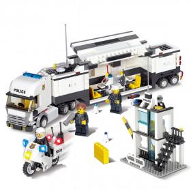 POLIZEI Truck mit vielen Einsatzmöglichkeiten